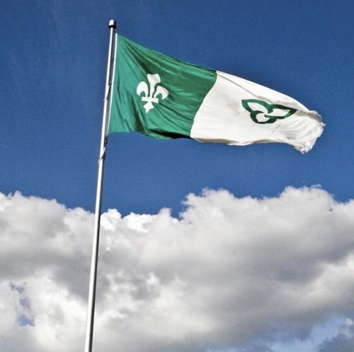 Le drapeau franco-ontarien. (photo: instagram @cecce)
