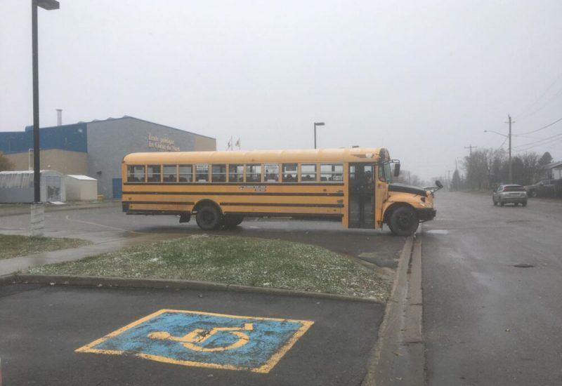 Le dernier autobus à partir du stationnement de l'école de Kapuskasing
