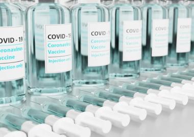 Bouteilles de vaccins contre la COVID-19