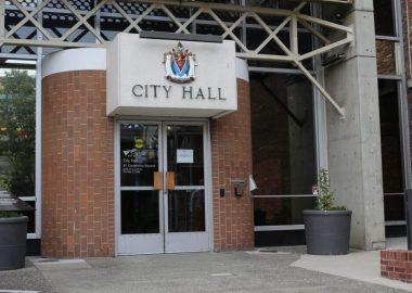 Le hall d'entrée de la mairie de Victoria, capitale de la C-B