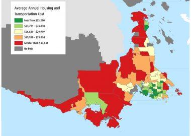 Une carte représentant les moyennes du cout annuel du logement et du transport par ménage et par zone dans le Grand Victoria.