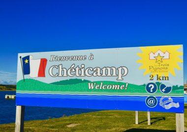 enseigne de bienvenue à Chéticamp.
