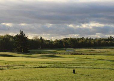 15e et 12e vert du terrain de golf de Bouctouche