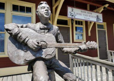 Hank Snow statue outside Hank Snow Museum, Liverpool NS