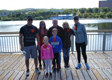 Barbara, participante à la marche de Myélome Canada et sa famille