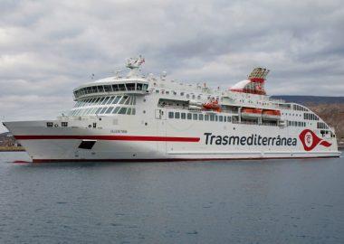 Villa de Teror vessel on the water on a cloudy day