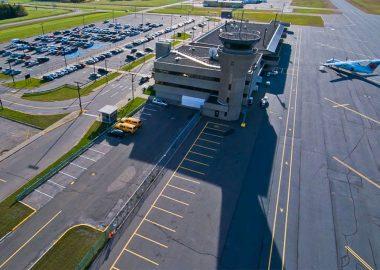 Mélanie Jean dénonce le manque de liaisons aériennes à partir de Sept-Îles -Photo tirée du site web de Béton provinciale