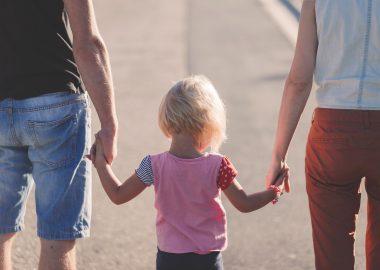 Une loi déposée le 12 mars changera la façon dont le gouvernement provincial traite les dossiers d'adoption. Photo : Pixabay