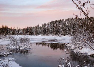 ruisseau au coucher du soleil