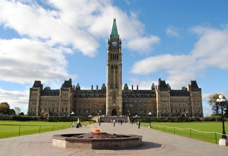 Erin O'Toole, le nouveau chef du parti Conservateur du Canada, pourrait intéresser les électeurs albertains selon Frédéric Boily, politicologue.