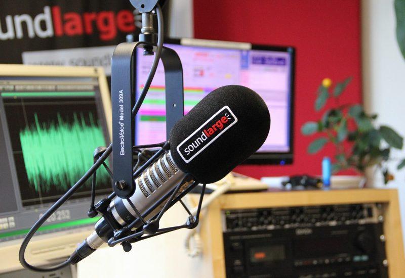 radio-studio-