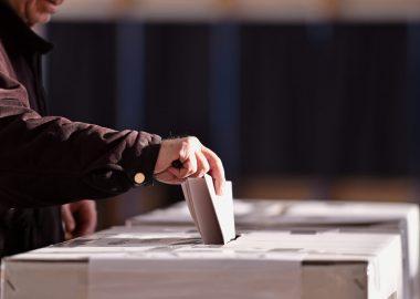 Les électeurs et candidats se questionnent à l'approche des élections. Photo : roibu/Shutterstock