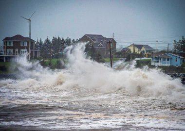 L'ouragan Teddy a frappé les côtes de la Nouvelle-Ecosse tôt ce matin et continue sa course. Photo : CTV News
