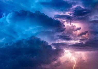 thunderstorm-3625405_1920